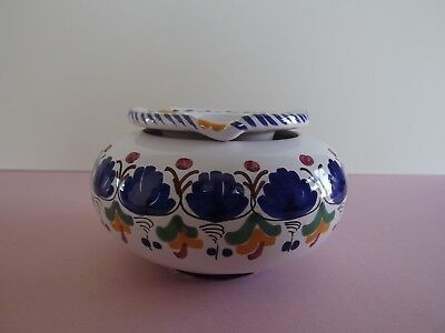Floral Decorated Ceramic Lidded Ashtray (72.223)