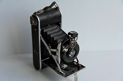 Ihagee Ultrix Folding Camera With Zenith Shutter – Dresden 1931