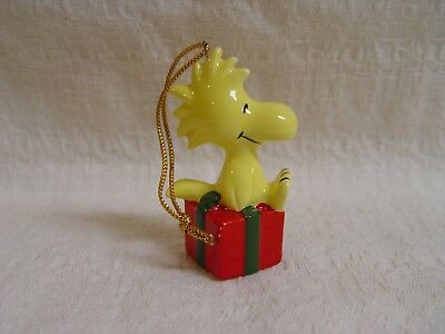 Vintage Peanuts Woodstock With Gift Ceramic Christmas Ornament Made In Japan