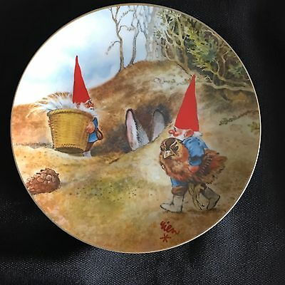"""Legends of the Gnomes Rien Poortvliet Porcelain Plate """"GNOME KNOW HOW"""""""