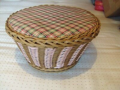 VINTAGE 1940s - 50s WICKER SEWING BASKET / BOX ROUND WITH LID