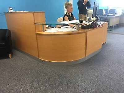 reception desk in good condition