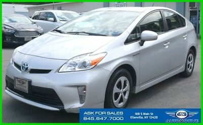 2012 Toyota Prius Two 2012 Two Used 1.8L I4 16V Automatic FWD Hatchback Navigation Bluetooth