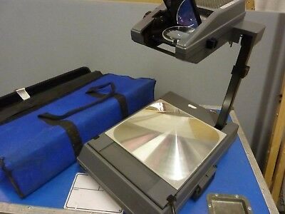 3M Portable Overhead Projector with Spare Lamp and Carry Case