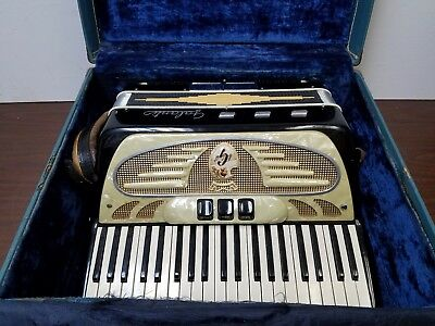Vintage Galanti Featherweight Intermediate Size 41/120 Piano Accordion w/Case