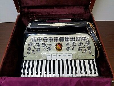 Vintage CMA Intermediate Size 41/120 Piano Accordion w/Case