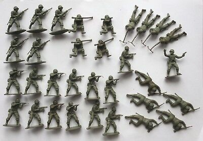 Airfix 1/32 scale soldiers - WWII American troops - 32 pieces