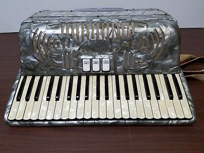 Vintage Vinny Roberts Intermediate Size 41/120 Piano Accordion