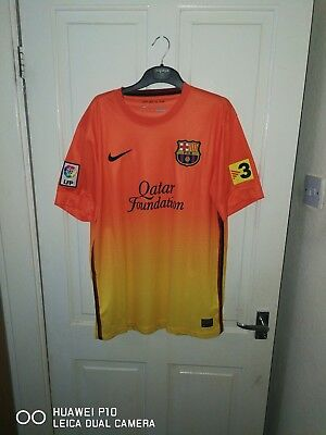 barcalona football shirt medium