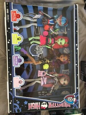 *Monster High Dolls- 'Ghouls Night Out' 4 Doll Set-New In Box, Unopened! Cool!