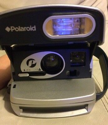 Fully working Polaroid 600 Instant Camera