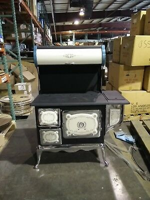 Opportunity Old Model ES 610 Wood cook stove with oven - Beautiful Great buy !!