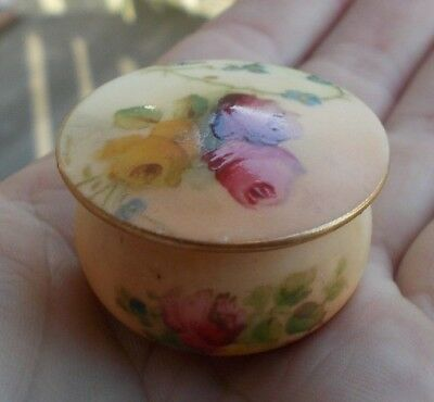 """RARE Vintage 1.5"""" Royal Worcester Hand Painted Floral Pill Box Roses England NR"""