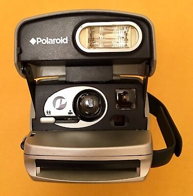 For Collectors. Vintage Polaroid 600 Film (Expired) In Camera Included
