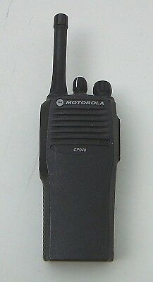 Motorola CP040 UHF 438-470MHz 4W 4Ch Handportable with Battery