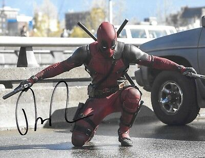 Ryan Reynolds Autographed Signed Photo Coa Deadpool Marvel The Hitmans Bodyguard