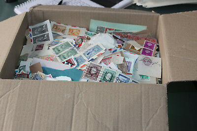 Large Box Of Clippings With Worldwide Mix - All Eras - Several Thousand Stamps