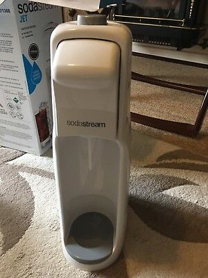 Soda Stream Jet Carbonated Drink Maker Water Gas . White