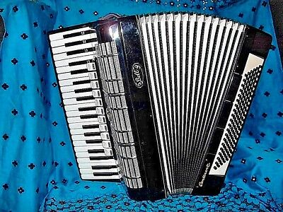 """"""" Continental"""" Accordion 120 Bass Full Size, Lovely Condition ..needs Tune-Up !"""