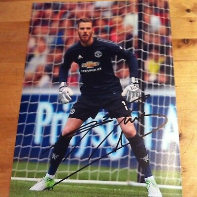SIGNED MAN UTD SIGNED David De Gea 12x8 photo 2017-2018 SIGNED