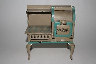 "1920's Arcade Toys Cast Iron ""Hotpoint Electric"" Stove, Nice Original"