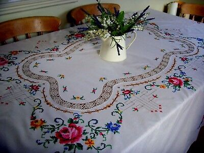 Beautiful Large Vintage Hand Embroidered Tablecloth & 8 Napkins Lace Roses Vgc