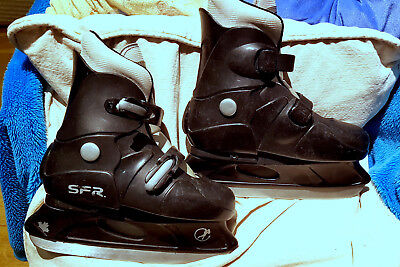Very Cool Adjustable Size Child's Ice Skates - Uk 12.5-3. Exc Used Condition