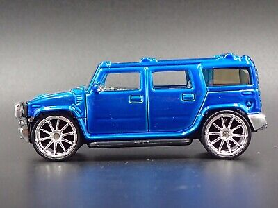 2003-2009 Hummer H2 Chase Rare 1:64 Scale Collectible Diorama Diecast Model Car