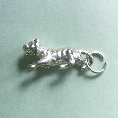 TIGER Chinese zodiac - 2cm long - 925 sterling silver wild animal charm pendant