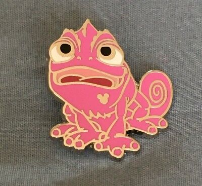 Disney pin pink Pascal chameleon from Tangled Hidden Mickey #99878
