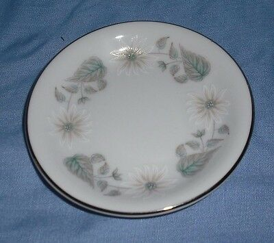 WELLESLEY PATTERN - 6214 - BUTTER PAT / PIN DISH - EX CONDITION - 1961 to 1976