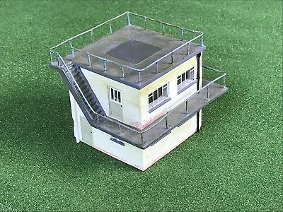 AIRFIELD CONTROL TOWER 1/76 scale by HORNBY SKALEDALE R8989