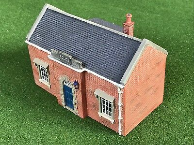 R8071 Hornby Hobbies Resin Country Police Station for OO Gauge Train Sets