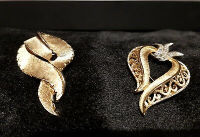 ☆ Vintage Pair Of Brooches ☆ Beautiful Swirl Style☆Stunning & In Mint Condition☆