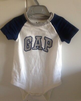 Baby Gap Baby Gro 6-12 Months (fit 6-9) BNWOT