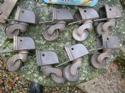 .6 Brass Feet With Castors And Snap Catch From Early 19Th C Table