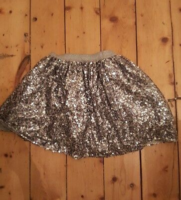 Beautiful Girls Silver Sequin Party Skirt age 6-7