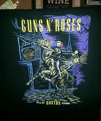 Official Guns N Roses Size Large Tshirt Td Bank Garden Boston 10/22/17 Soldout