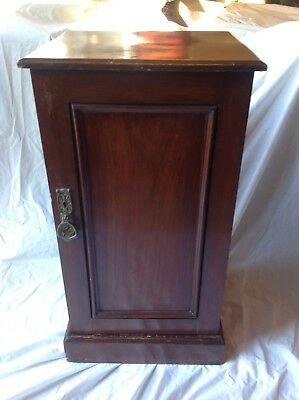**beautiful Antique Victorian Mahogony Pot Cupboard/bedside Cabinet**