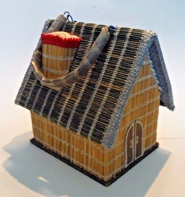JAPAN / Vintage Little House Sewing Box