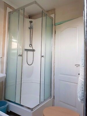 800 x 800 all in one Shower Pod including Mixer, Shower Head, 2 Sliding Doors