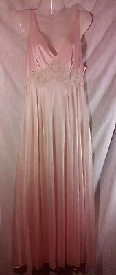 Vintage Miss Elaine Light Pink Long Night Gown with Floral Lace Sz L - ILGWU