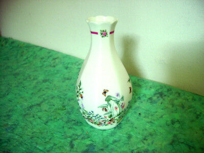 1990 Eight Sided Royal Doulton Vase In Bernice Pattern