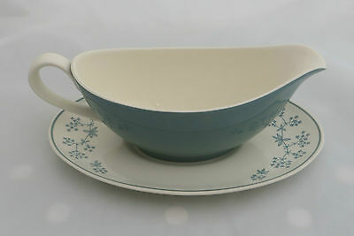 Royal Doulton Gravy / Sauce Boat / Jug & Oval Saucer / Stand Queenslace D.6447