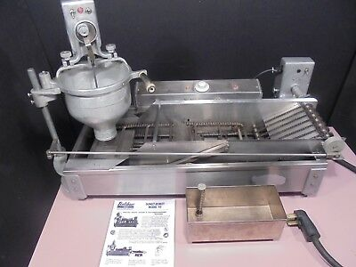 Donut Maker / Machine / Fryer / Donut Robot Belshaw Dr-42 $2800 Works 100%