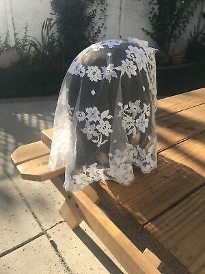 Vintage White Lace Church Mantilla, Chapel Veil, Catholic Scarf, Head Covering.