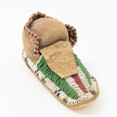 Antique Lakota Sioux Plains Beaded Hide Moccasin Native American Indian Shoe