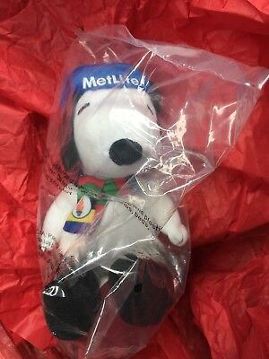 Snoopy New Olympic Inspired MetLife Plush Sealed 2014 Winter w Scarf Hat Boots