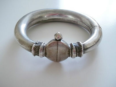 Vintage ethnic tribal silver bracelet from India in excellent condition