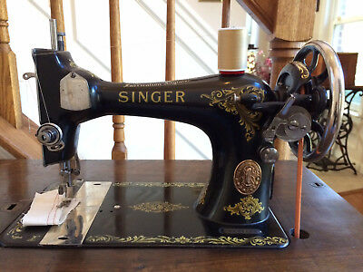 Working Antique 1918 Singer 128k Treadle Sewing Machine ~ SEE VIDEO SEWS GREAT!